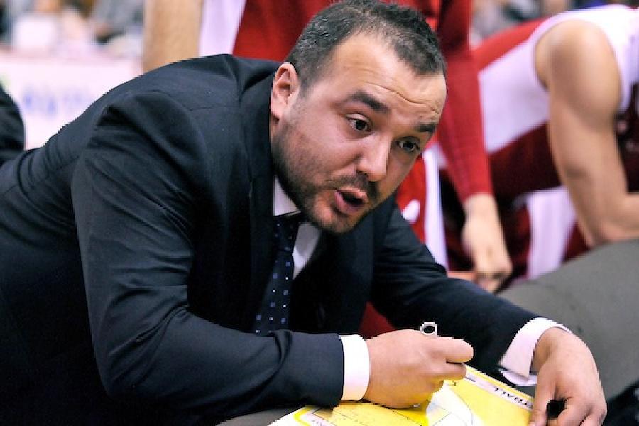 https://www.basketmarche.it/immagini_articoli/10-02-2020/ufficiale-matteo-pratic-allenatore-teramo-basket-600.jpg
