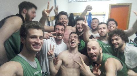 https://www.basketmarche.it/immagini_articoli/10-03-2018/promozione-b-l-ignorantia-pesaro-espugna-il-campo-della-dinamis-falconara-270.jpg