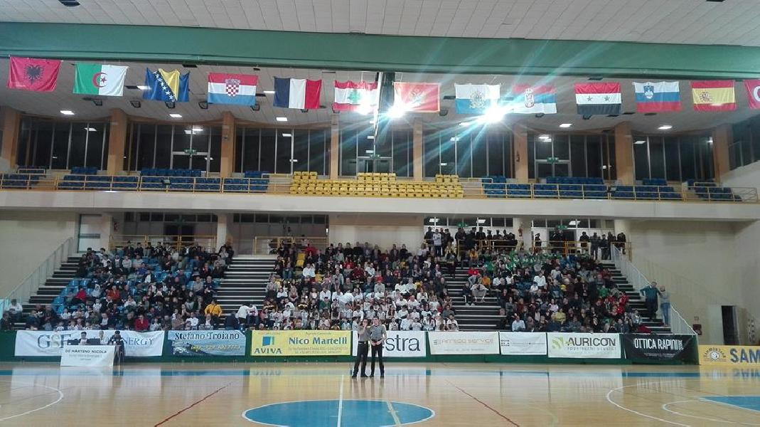 https://www.basketmarche.it/immagini_articoli/10-03-2019/derby-unibasket-lanciano-magic-basket-chieti-battuta-primato-consolidato-600.jpg