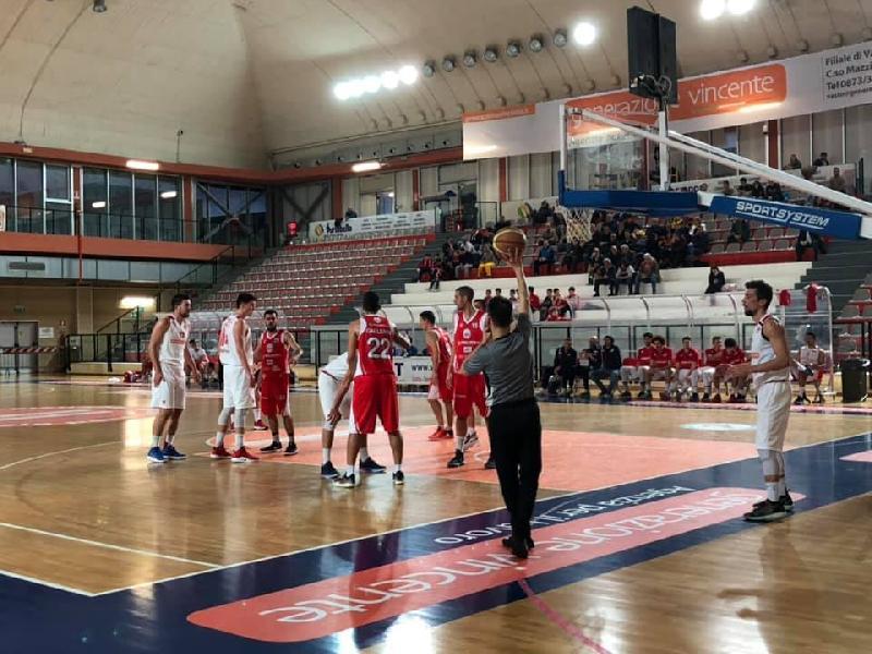 https://www.basketmarche.it/immagini_articoli/10-03-2019/serie-silver-live-girone-abruzzo-marche-gare-domenica-tempo-reale-600.jpg