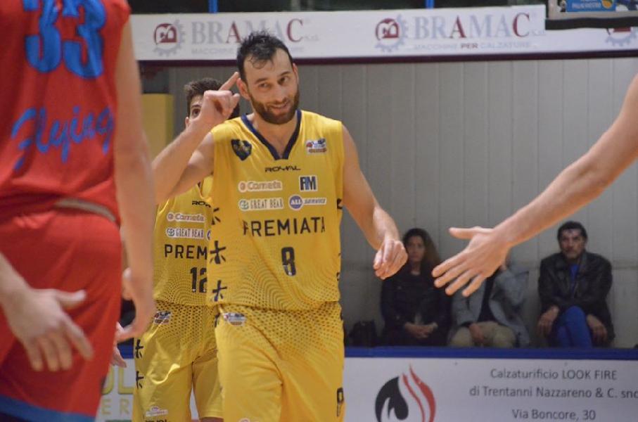 https://www.basketmarche.it/immagini_articoli/10-04-2020/sutor-montegranaro-riccardo-angilla-dispiace-aver-concluso-stagione-porto-calore-bombonera-600.jpg