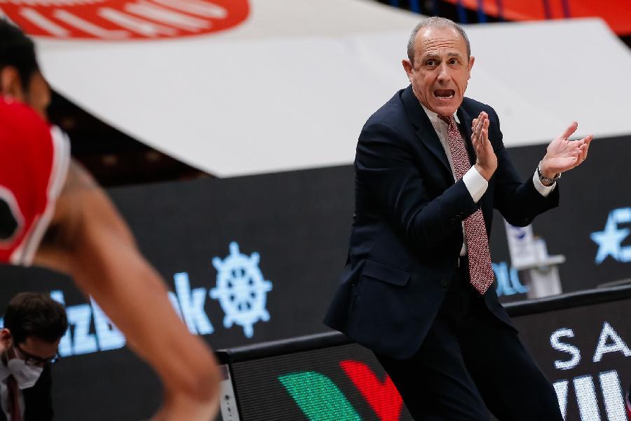 https://www.basketmarche.it/immagini_articoli/10-04-2021/milano-coach-messina-stata-bella-regular-season-bayern-squadra-allenata-facile-600.jpg