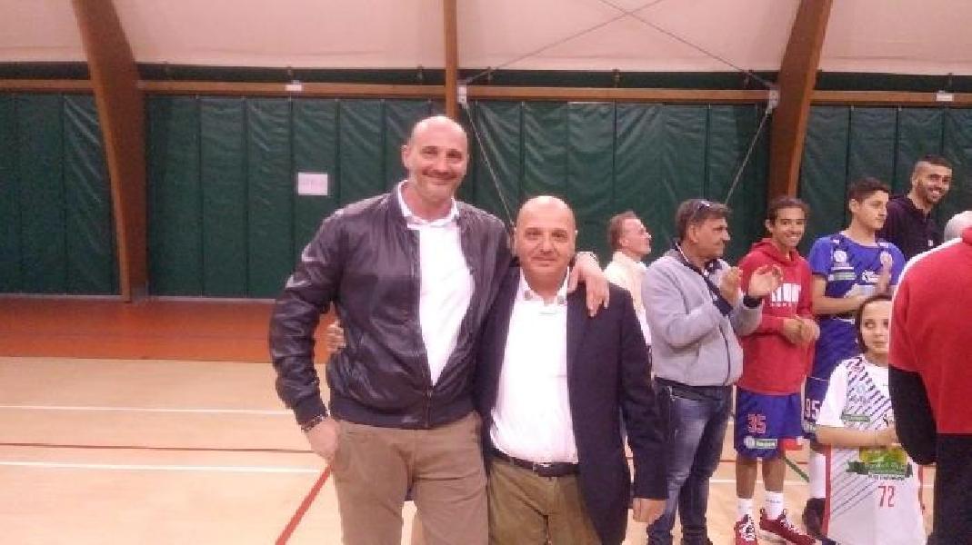 https://www.basketmarche.it/immagini_articoli/10-05-2019/lions-bisceglie-ripartono-conferma-coach-gigi-marinelli-600.jpg