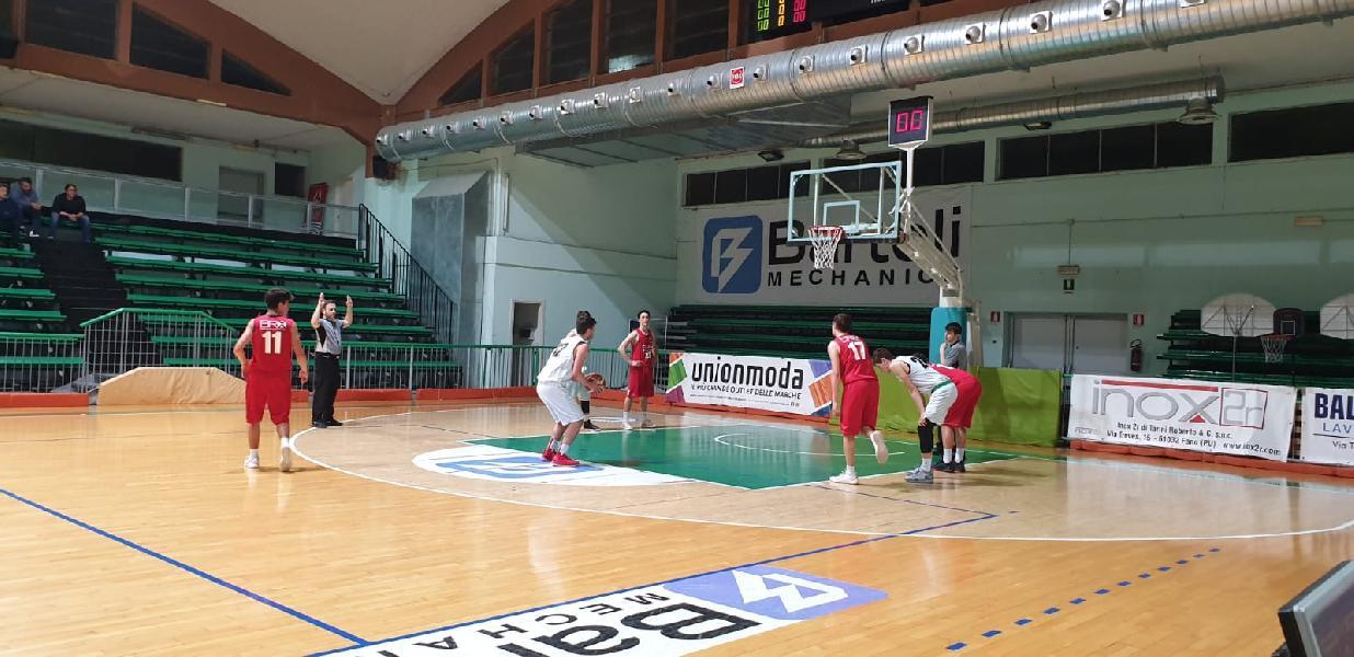 https://www.basketmarche.it/immagini_articoli/10-05-2019/under-gold-playoff-basket-giovane-pesaro-aggiudica-gara-semifinale-fossombrone-600.jpg