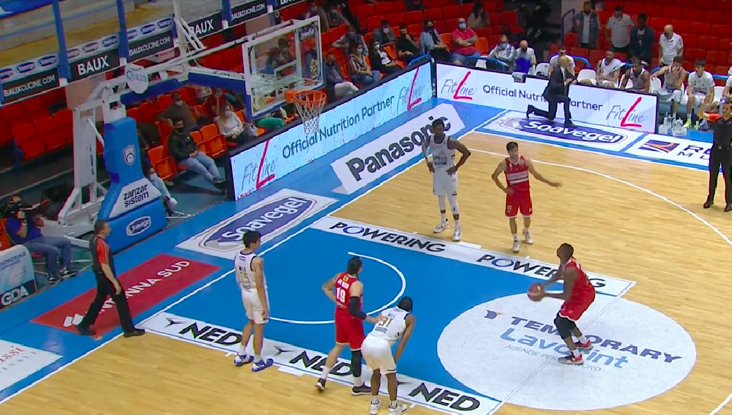 https://www.basketmarche.it/immagini_articoli/10-05-2021/convincente-vittoria-basket-brindisi-pallacanestro-varese-600.png