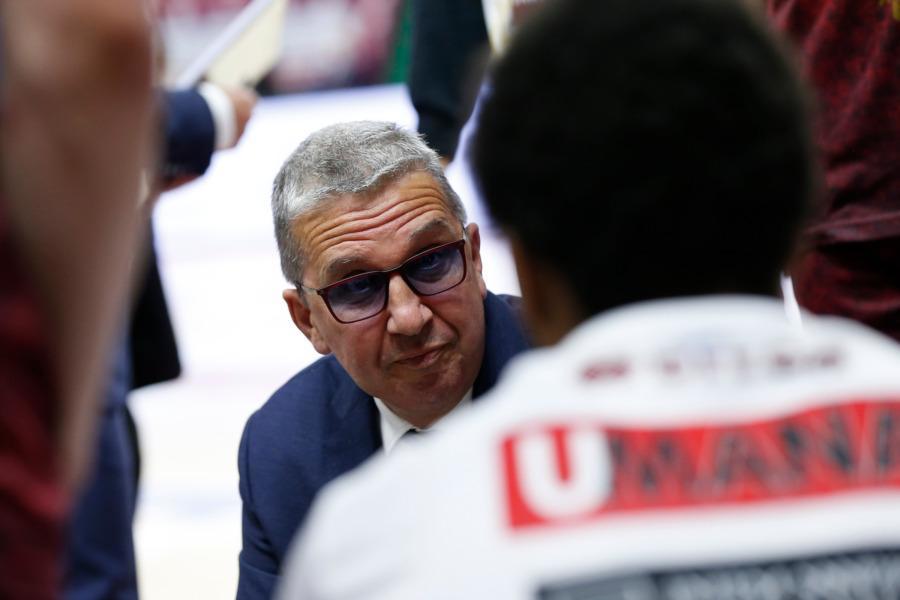 https://www.basketmarche.it/immagini_articoli/10-05-2021/reyer-venezia-coach-raffaele-reggio-vogliamo-vincere-arriviamo-bene-partita-600.jpg