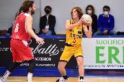 https://www.basketmarche.it/immagini_articoli/10-05-2021/sutor-montegranaro-sfider-mestre-giuseppe-angellotti-avversario-ostico-giocato-molto-bene-120.jpg