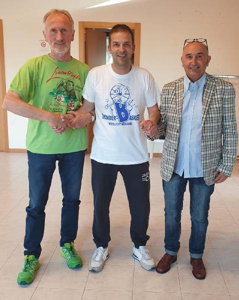 https://www.basketmarche.it/immagini_articoli/10-06-2019/ufficiale-christian-rapanotti-allenatore-thunder-basket-matelica-600.jpg