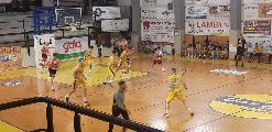 https://www.basketmarche.it/immagini_articoli/10-06-2021/basket-gualdo-vince-volata-derby-campo-fratta-umbertide-120.jpg