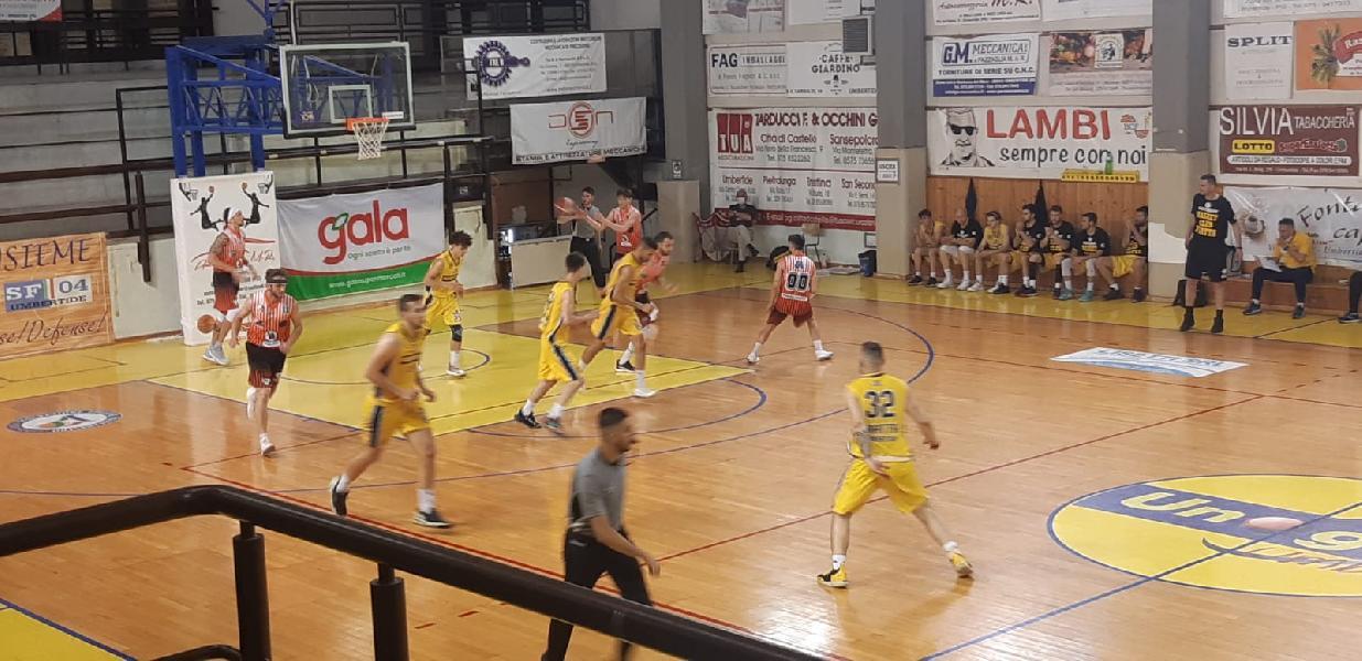 https://www.basketmarche.it/immagini_articoli/10-06-2021/basket-gualdo-vince-volata-derby-campo-fratta-umbertide-600.jpg