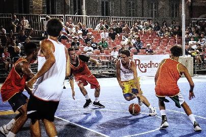 https://www.basketmarche.it/immagini_articoli/10-07-2018/torneo-basket-time-ancona-prima-giornata-vittorie-per-ck-servizi-e-vesta-270.jpg