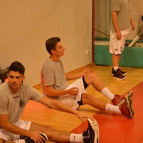 https://www.basketmarche.it/immagini_articoli/10-07-2019/ufficiale-luca-loretani-robur-osimo-600.jpg