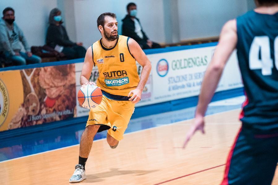 https://www.basketmarche.it/immagini_articoli/10-07-2021/campetto-ancona-fari-puntati-capitano-sutor-montegranaro-tommaso-minoli-600.jpg