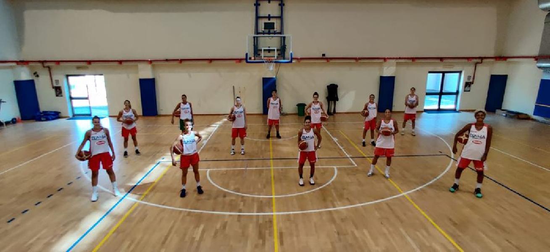 https://www.basketmarche.it/immagini_articoli/10-08-2020/italbasket-femminile-lino-lardo-insieme-ragazze-abbiamo-gettato-basi-lavoro-attende-prossimi-mesi-600.jpg