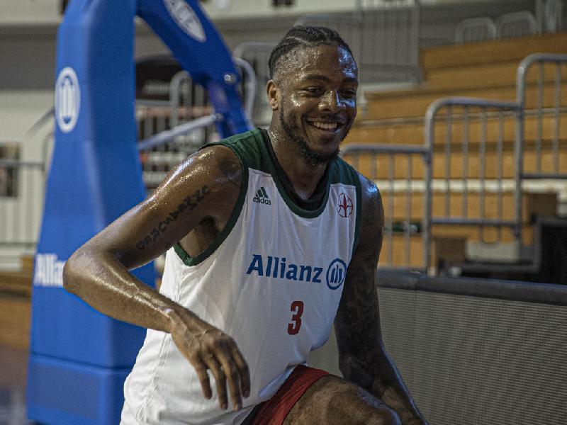 https://www.basketmarche.it/immagini_articoli/10-08-2020/pallacanestro-trieste-devonte-upson-allena-gruppo-voglio-vincere-squadra-citt-600.jpg