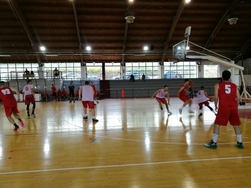 https://www.basketmarche.it/immagini_articoli/10-09-2018/serie-nazionale-buona-prova-unibasket-pescara-test-teramo-basket-600.jpg