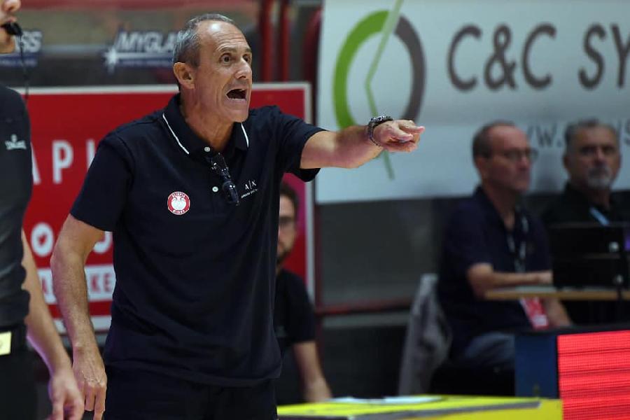 https://www.basketmarche.it/immagini_articoli/10-09-2019/olimpia-milano-coach-messina-stato-test-valido-torno-casa-soddisfatto-quello-visto-600.jpg