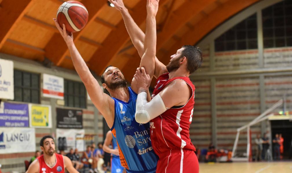 https://www.basketmarche.it/immagini_articoli/10-09-2019/trofeo-citt-nuoro-hapoel-gerusalemme-supera-dinamo-sassari-dopo-overtime-600.jpg
