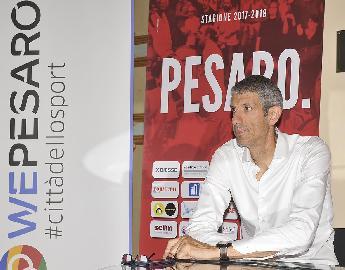 https://www.basketmarche.it/immagini_articoli/10-10-2017/serie-a-intervista-al-presidente-della-victoria-libertas-pesaro-ario-costa-270.jpg