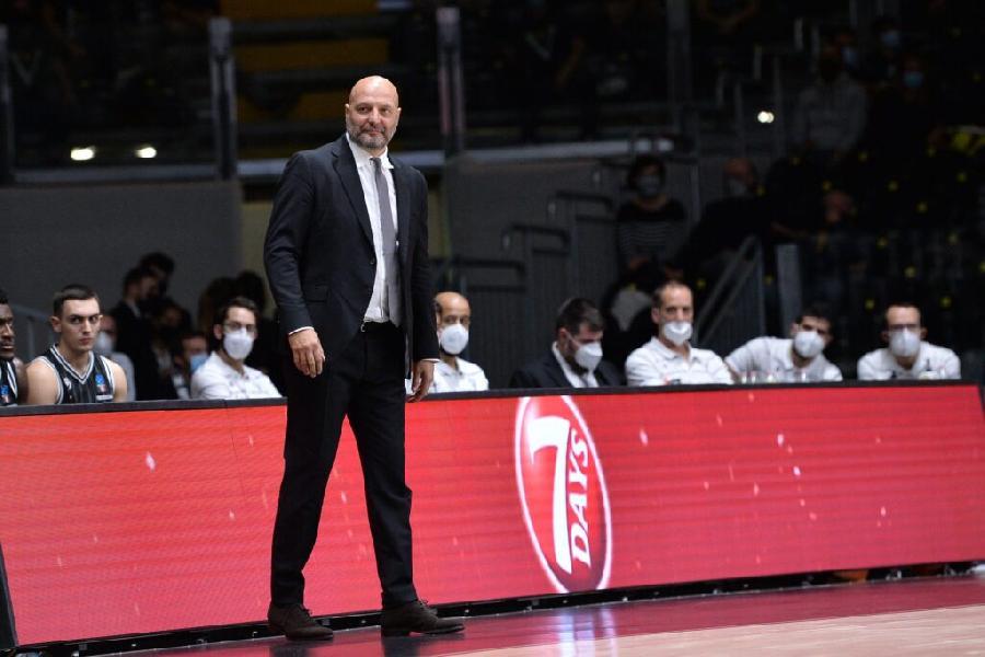 https://www.basketmarche.it/immagini_articoli/10-10-2020/virtus-bologna-coach-djordjevic-cremona-dobbiamo-cercare-imporre-nostro-gioco-600.jpg