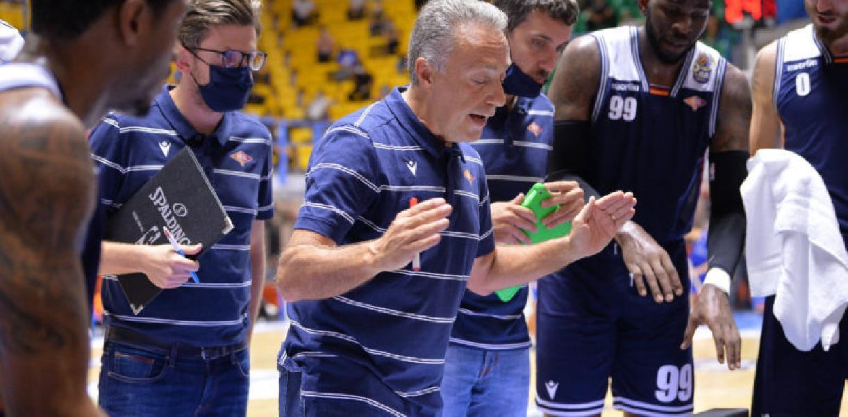 https://www.basketmarche.it/immagini_articoli/10-10-2020/virtus-roma-coach-bucchi-sassari-avversario-difficile-siamo-allenati-bene-speriamo-poter-avere-beane-600.jpg