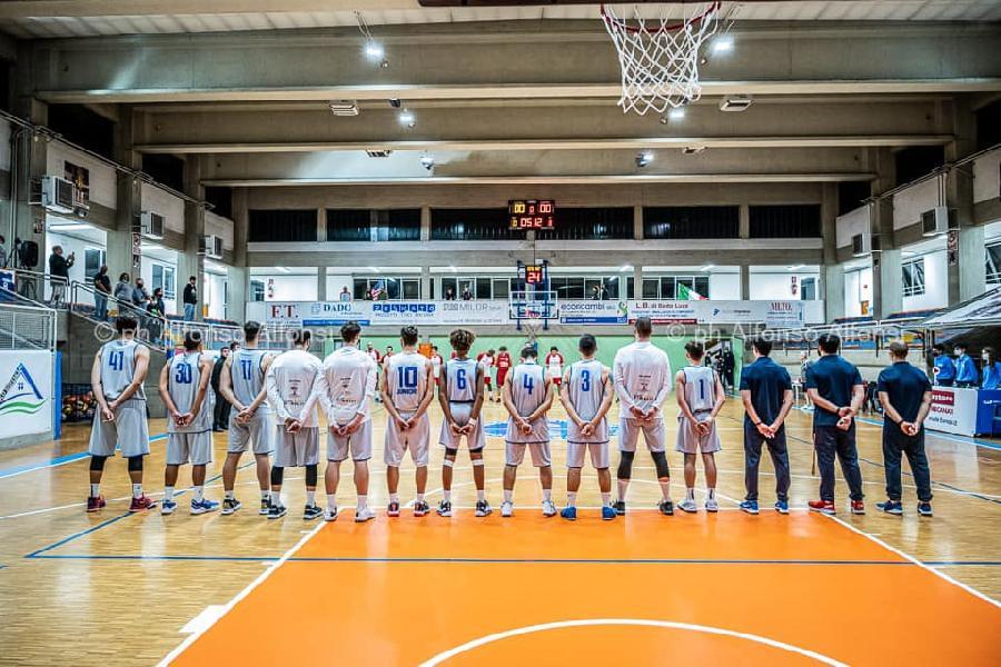 https://www.basketmarche.it/immagini_articoli/10-10-2021/attila-junior-porto-recanati-conquista-convincente-vittoria-chem-virtus-psgiorgio-600.jpg
