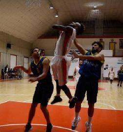 https://www.basketmarche.it/immagini_articoli/10-11-2017/d-regionale-il-basket-maceratese-cerca-conferme-contro-il-brown-sugar-fabriano-270.jpg
