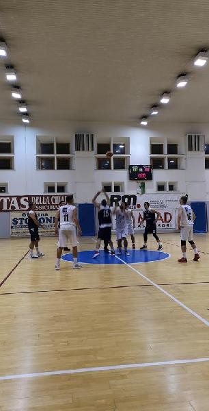 https://www.basketmarche.it/immagini_articoli/10-11-2018/basket-giovane-pesaro-riscatta-subito-derby-600.jpg