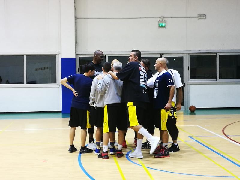 https://www.basketmarche.it/immagini_articoli/10-11-2018/basket-jesi-espugna-senigallia-resta-imbattuto-600.jpg
