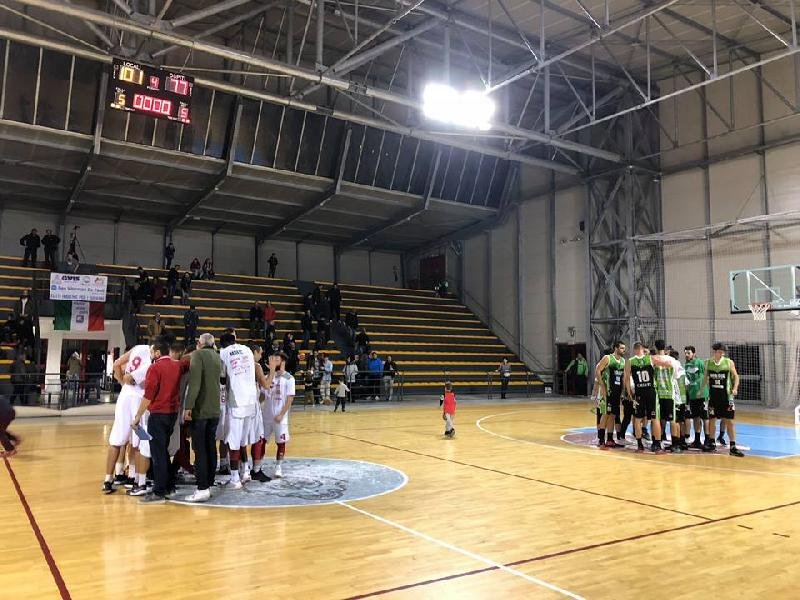 https://www.basketmarche.it/immagini_articoli/10-11-2018/vigor-matelica-supera-nettamente-magic-basket-chieti-grande-terzo-quarto-600.jpg