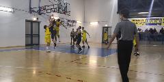 https://www.basketmarche.it/immagini_articoli/10-11-2019/castelfidardo-supera-dinamis-falconara-dopo-tempi-supplementari-120.jpg