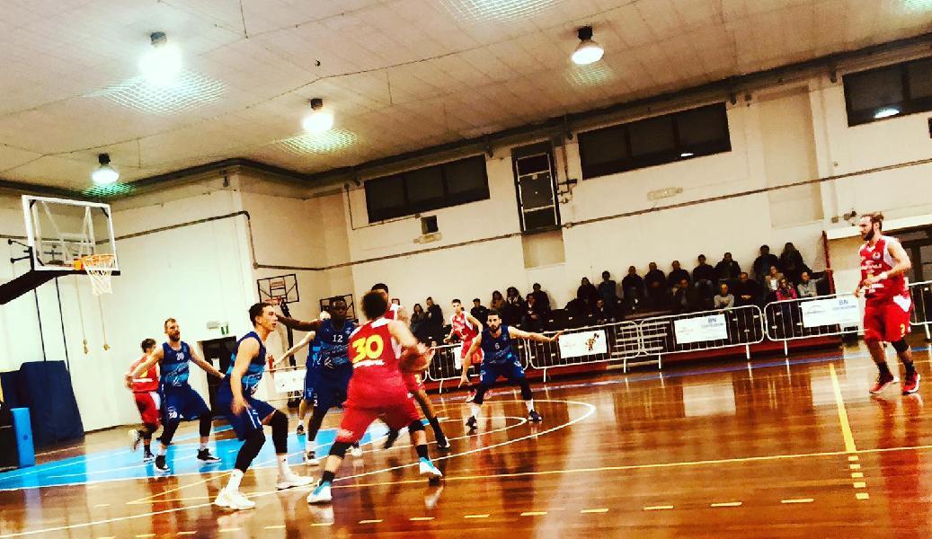 https://www.basketmarche.it/immagini_articoli/10-11-2019/convincente-vittoria-titano-marino-campo-wispone-taurus-jesi-600.jpg