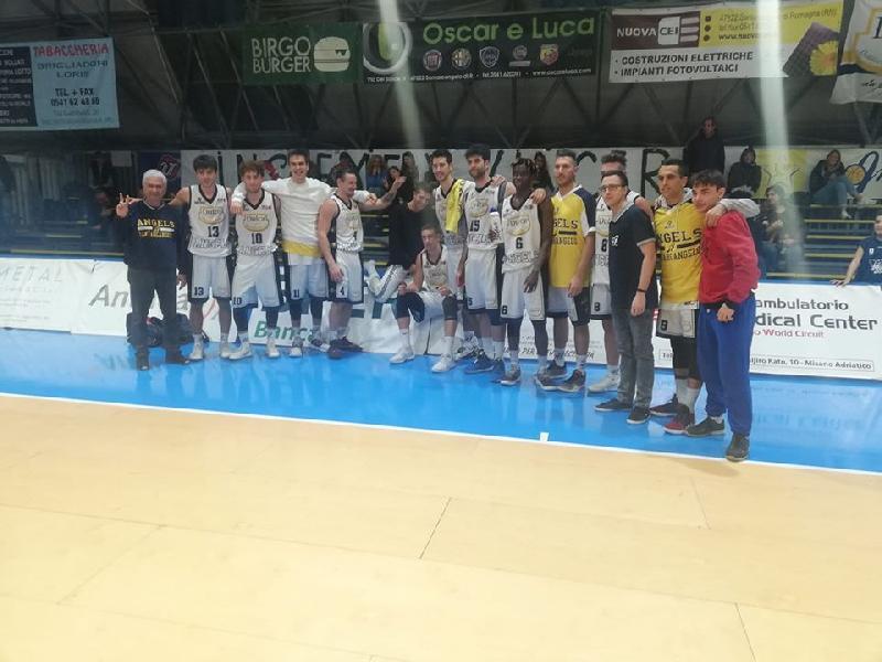https://www.basketmarche.it/immagini_articoli/10-11-2019/santarcangelo-angels-travolgono-scarto-record-punti-600.jpg