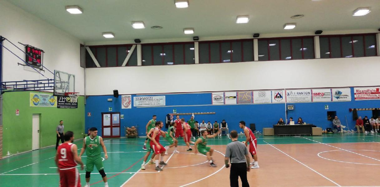 https://www.basketmarche.it/immagini_articoli/10-11-2019/triple-mari-trascinano-fochi-pollenza-vittoria-campo-ponte-morrovalle-600.jpg