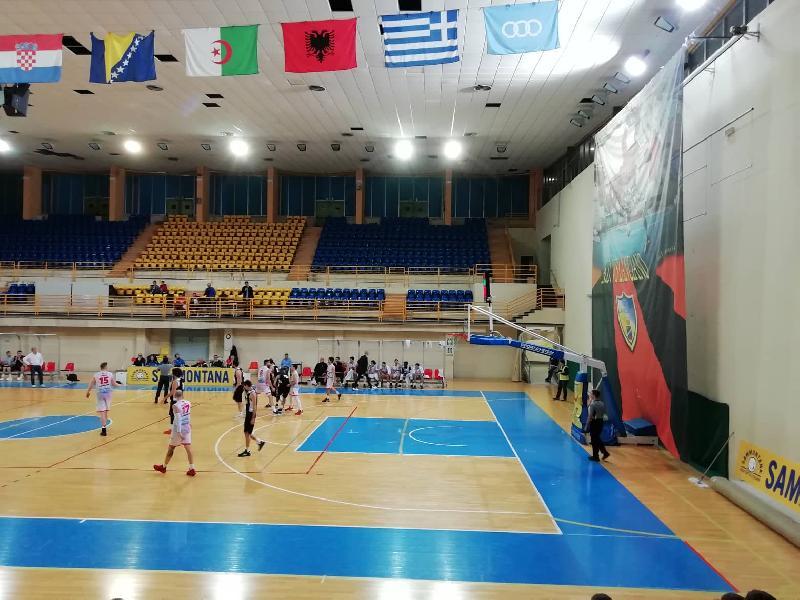 https://www.basketmarche.it/immagini_articoli/10-11-2019/unibasket-lanciano-scappa-finale-supera-falconara-basket-600.jpg
