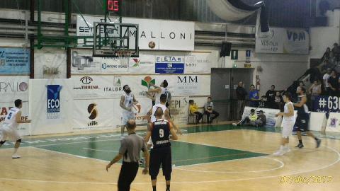 https://www.basketmarche.it/immagini_articoli/10-12-2017/serie-b-nazionale-il-porto-sant-elpidio-basket-paga-un-pessimo-primo-quarto-contro-giulianova-270.jpg