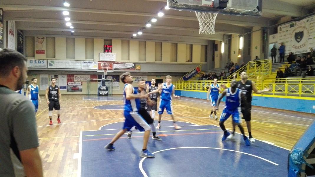 https://www.basketmarche.it/immagini_articoli/10-12-2018/basket-todi-ferma-ragazzi-coach-olivieri-superano-aesis-jesi-600.jpg