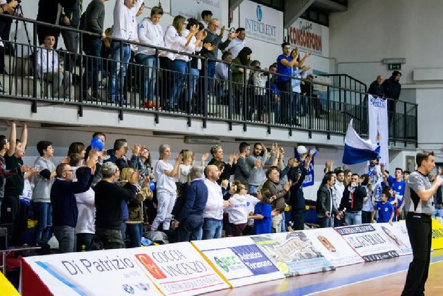 https://www.basketmarche.it/immagini_articoli/11-01-2019/trasferta-difficile-janus-fabriano-giulianova-colpo-possibile-600.jpg
