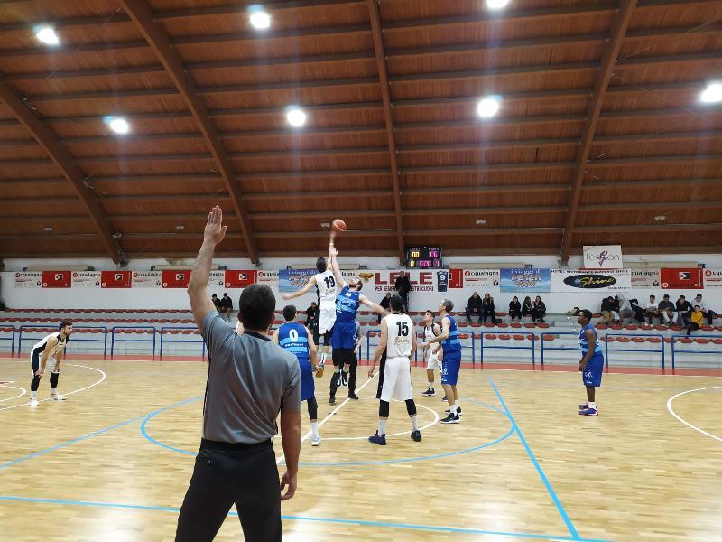 https://www.basketmarche.it/immagini_articoli/11-01-2020/titano-marino-firma-colpaccio-campo-pallacanestro-acqualagna-600.jpg