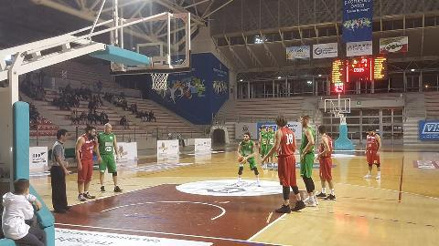 https://www.basketmarche.it/immagini_articoli/11-02-2018/serie-c-silver-il-campetto-ancona-supera-senza-problemi-la-pallacanestro-urbania-270.jpg