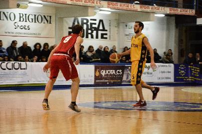 https://www.basketmarche.it/immagini_articoli/11-02-2018/serie-c-silver-la-pallacanestro-pedaso-si-aggiudica-il-derby-del-fermano-270.jpg