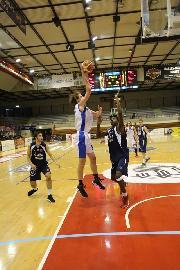 https://www.basketmarche.it/immagini_articoli/11-03-2018/d-regionale-il-derby-jesino-sorride-alla-virtus-88-di-un-super-kouyate-270.jpg