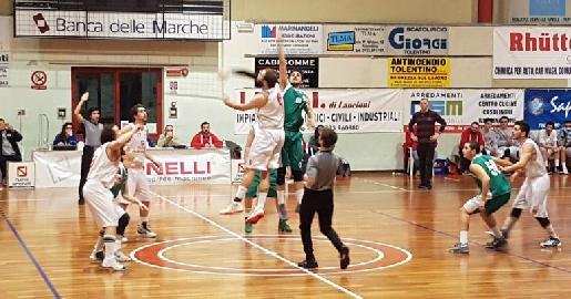 https://www.basketmarche.it/immagini_articoli/11-03-2018/d-regionale-ottava-giornata-di-ritorno-fermignano-primo-colpo-cab-stamura-bene-taurus-88ers-ed-auximum-270.jpg