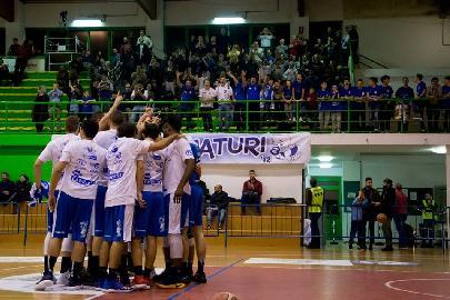 https://www.basketmarche.it/immagini_articoli/11-03-2018/serie-b-nazionale-lo-janus-fabriano-supera-il-teramo-basket-con-un-ottimo-secondo-tempo-270.jpg