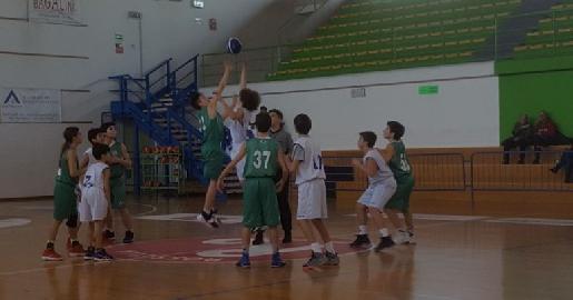 https://www.basketmarche.it/immagini_articoli/11-03-2018/under-13-elite-altra-facile-vittoria-per-il-cab-stamura-ancona-contro-civitanova-270.jpg