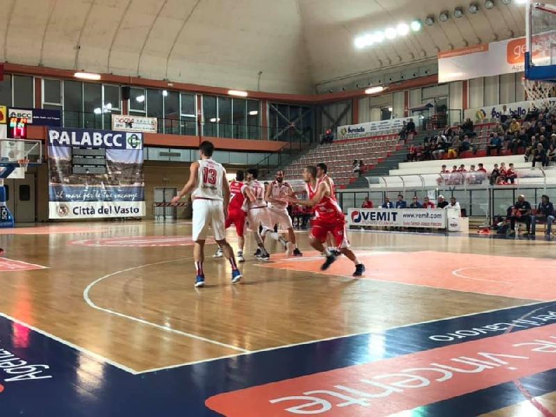 https://www.basketmarche.it/immagini_articoli/11-03-2019/teramo-spicchi-coach-stirpe-vasto-fatta-gara-impeccabile-vittoria-memorabile-600.jpg