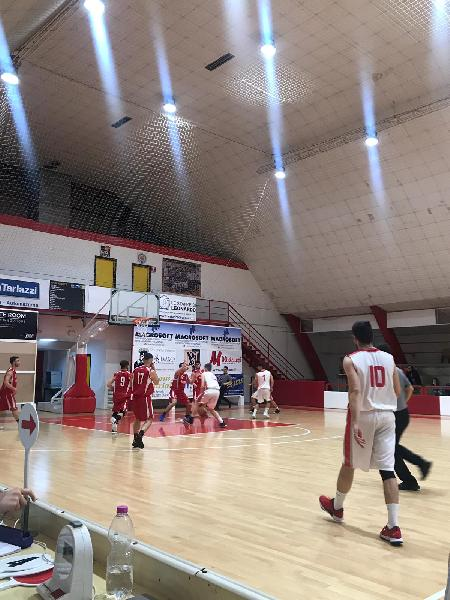 https://www.basketmarche.it/immagini_articoli/11-04-2019/regionale-playoff-basket-maceratese-pronto-esordio-castelfidardo-600.jpg
