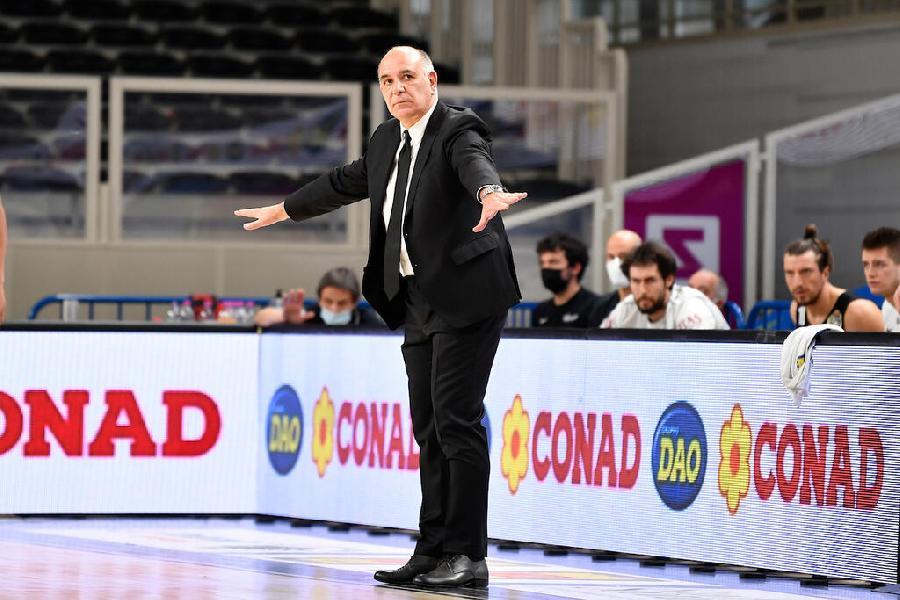 https://www.basketmarche.it/immagini_articoli/11-04-2021/aquila-basket-trento-trasferta-cant-coach-molin-fondamentale-qualit-nostra-transizione-difensiva-600.jpg