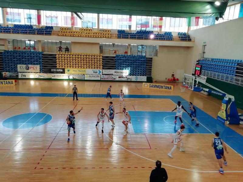 https://www.basketmarche.it/immagini_articoli/11-04-2021/pescara-basket-espugna-campo-unibasket-lanciano-dopo-supplementare-600.jpg