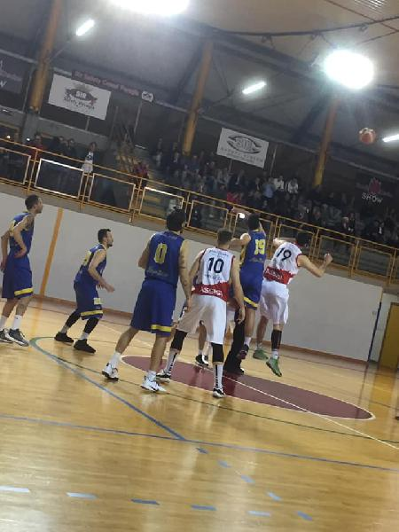 https://www.basketmarche.it/immagini_articoli/11-05-2019/serie-silver-playoff-virtus-assisi-domina-termoli-finale-sfider-mosciano-600.jpg